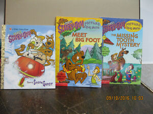 3   SCOOBY--DOO   BOOKS    LIKE  NEW