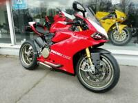 DUCATI 1199 PANIGALE R, AKRO SYSTEM, DP REARSETS,1 OWNER, ONLY 2200 MILES