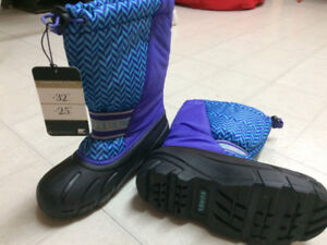 New**SOREL Boots size 3
