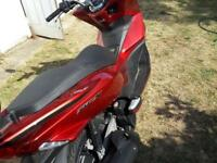 Honda pcx 125 excellent condition new shape only 1599 no offers