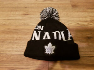 MOLSON CANADIAN TORONTO MAPLE LEAFS WINTER HAT NEW