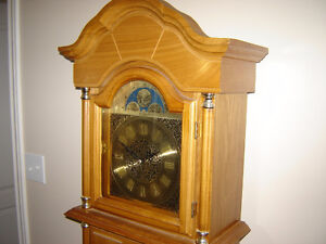 Grandfather clock with Westminster chimes Belleville Belleville Area image 2