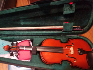 3/4 size violin with bow and case