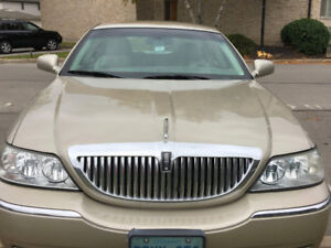 FRONT HEAD LIGHTS FOR 1996 LINCOLN TOWN CAR