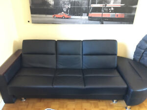 MODERN FOLDABLE COUCH