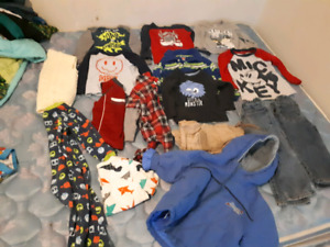 Lot of boys clothes 2T