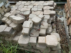 Paving Brick - Perfect for driveway, pathing or backyard