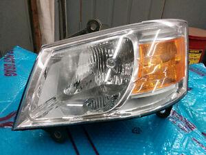 Lumière avant Dodge Grand Caravan 2008
