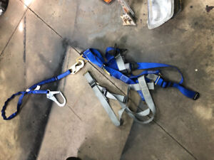 working at heights harness/fall aresst  brand new