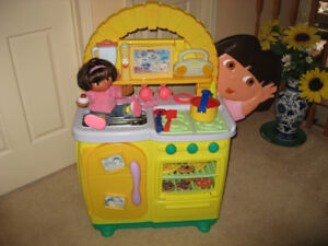 Dora's Kitchen Play Set w/ Toy Food and Toy Dishes, Dora Dolls