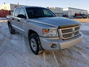 2011 Dodge Dakota Crew Cab 4x4 Pickup Truck - Low kms!!