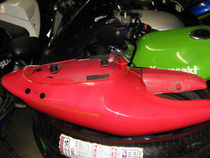 1999 suzuki tl-1000s rear tail fairing red oem