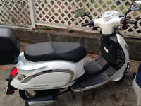 Like NEW! Saba 2 Seater Scooter with Case $2300