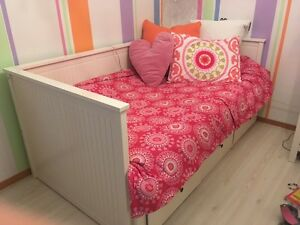 White Trundle Daybed for sale!