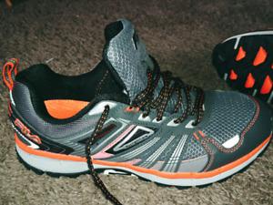 Mens 9.5 Fila shoes (BRAND New, never worn)