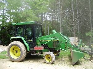 5200 JOHN DEERE WITH CAB AND LOADER
