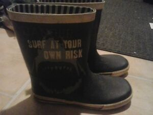 SIZE 4 Rubber Boots