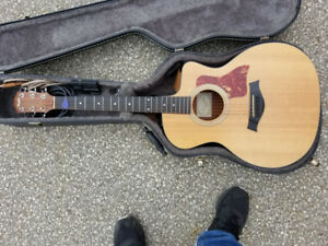 Taylor Acoustic/Electric Guitar with Soft Case