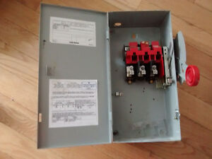 Heavy duty safety switch Eaton HD 30A 3P 600V NON FUSED TYPE 1 West Island Greater Montréal image 3
