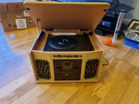 Akura retro hi fi record player / CD / Cassette / Radio