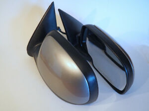 Sideview mirrors for 1999-2007 GM trucks, OEM, heated, excellent