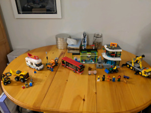 Lego City Square and Camper +