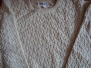 Cashmere and Ultrafine wool White sweater size large West Island Greater Montréal image 4