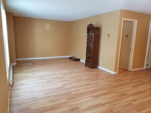 One-bedroom apartment available Aug. 1, 2018
