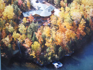 """Grand Lake"" Waterfront, Gatineau's - 4 season home/cottage"