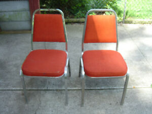 Chairs Padded Indoor Chrome, 4 chairs,  Like New