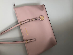 Micheal Kors Jet Set Saffiano leather in soft pink X large size