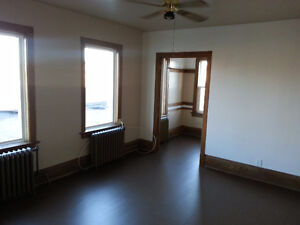 1 Bedroom - Near Court House