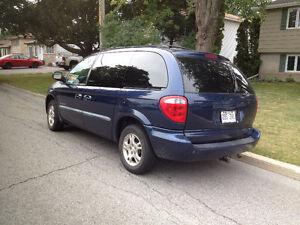 2001 Dodge Caravan bleu Camionnette West Island Greater Montréal image 2