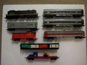 Vintage HO Train Set