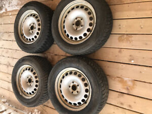 Winter Tires on Rims/Size 215 65 16, SilverRiims Great Condition