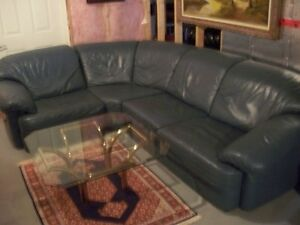 IMPORTED ITALIAN LEATHER 3-PIECE COUCH