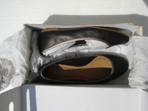 Black Leather Flats, ballerina shoes (By Aldo)