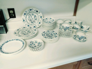 Blue Nordic 'English Ironstone' Dishes