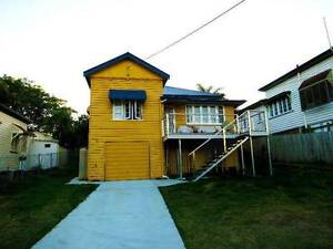 BILLS INCLUDED Friendly house, perfect location Woolloongabba Brisbane South West Preview