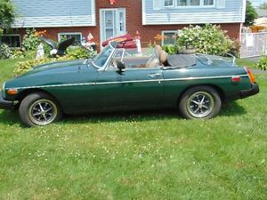 Classic 1977 MGB British Racing Green