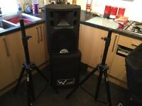 2x speakers with stands/case/cables-ideal for DJ