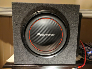 """""""12 Pioneer subwoofer with Sony xplod 1000w amp"""