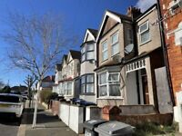Newly Refurbished 3 Bed Split Level Flat Available for Immediate Rental