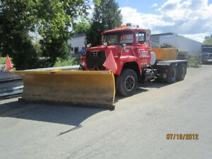 Ford 880 Snow Plow / Charrue a Neige 10 Roues