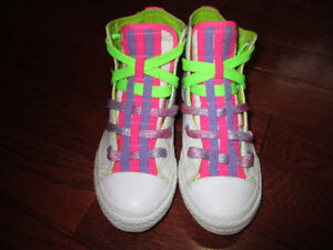 Converse girls size 1 shoes