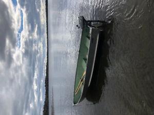 10' Boat with 2006, 2hp Honda 4 stroke motor