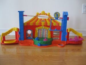 Cirque musical Little People Fisher Price en excellent état