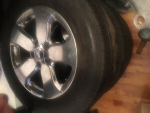 3 almost new GRAND CHEROKEE MICHELIN TIRES with MAGS