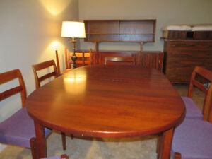 8 Person Rosewood Dining Room Set