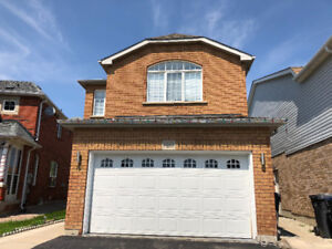 Detached House for Lease in Brampton